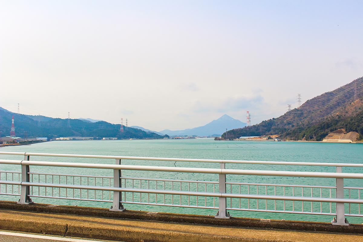 """若狭路""""裏""""センチュリーライド 青戸の大橋"""